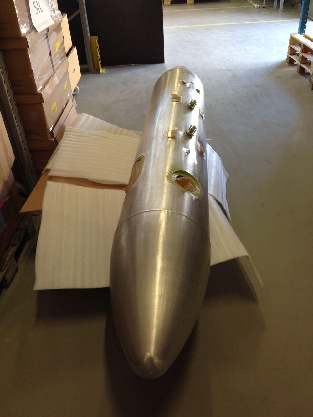Flugzeugtank-entlacken-2