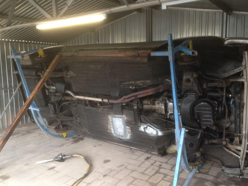 Mercedes-Unterboden-reinigen