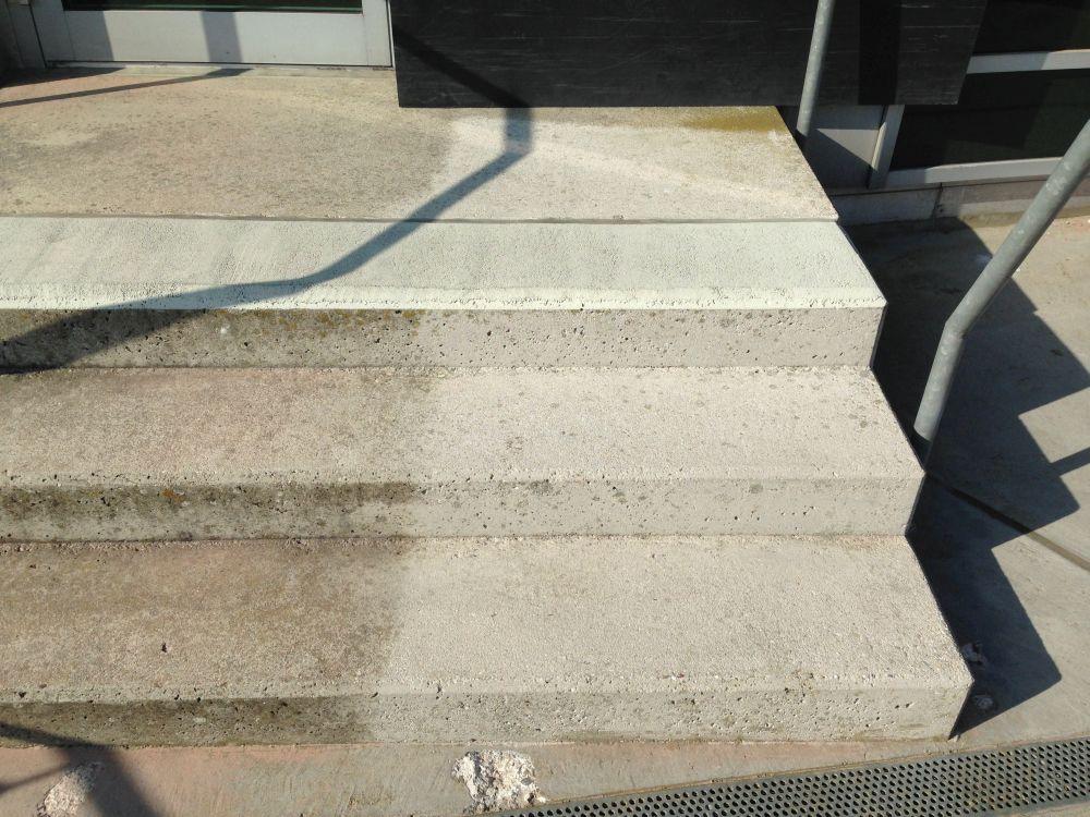 Treppe-reinigen-2