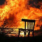 Brandsanierung mit Trockeneis – So erstrahlt verbranntes Holz wieder in neuem Glanz